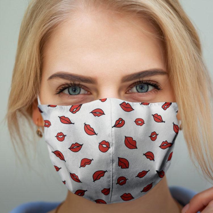 wzorzysta maseczka ochronna RED KISS (M)
